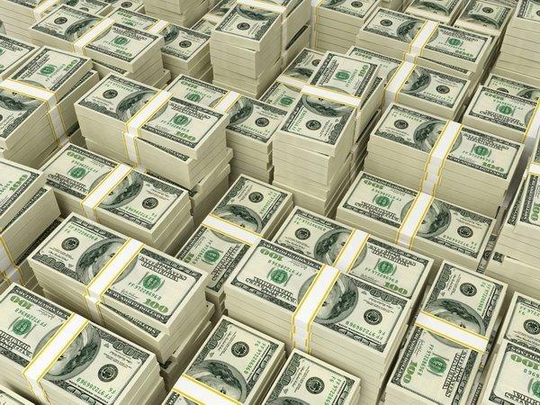 Житель россии пытался вывезти из Белоруссии чемодан валюты