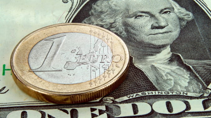 Доллар 23ноября опустился ниже 2-х руб. — Торги