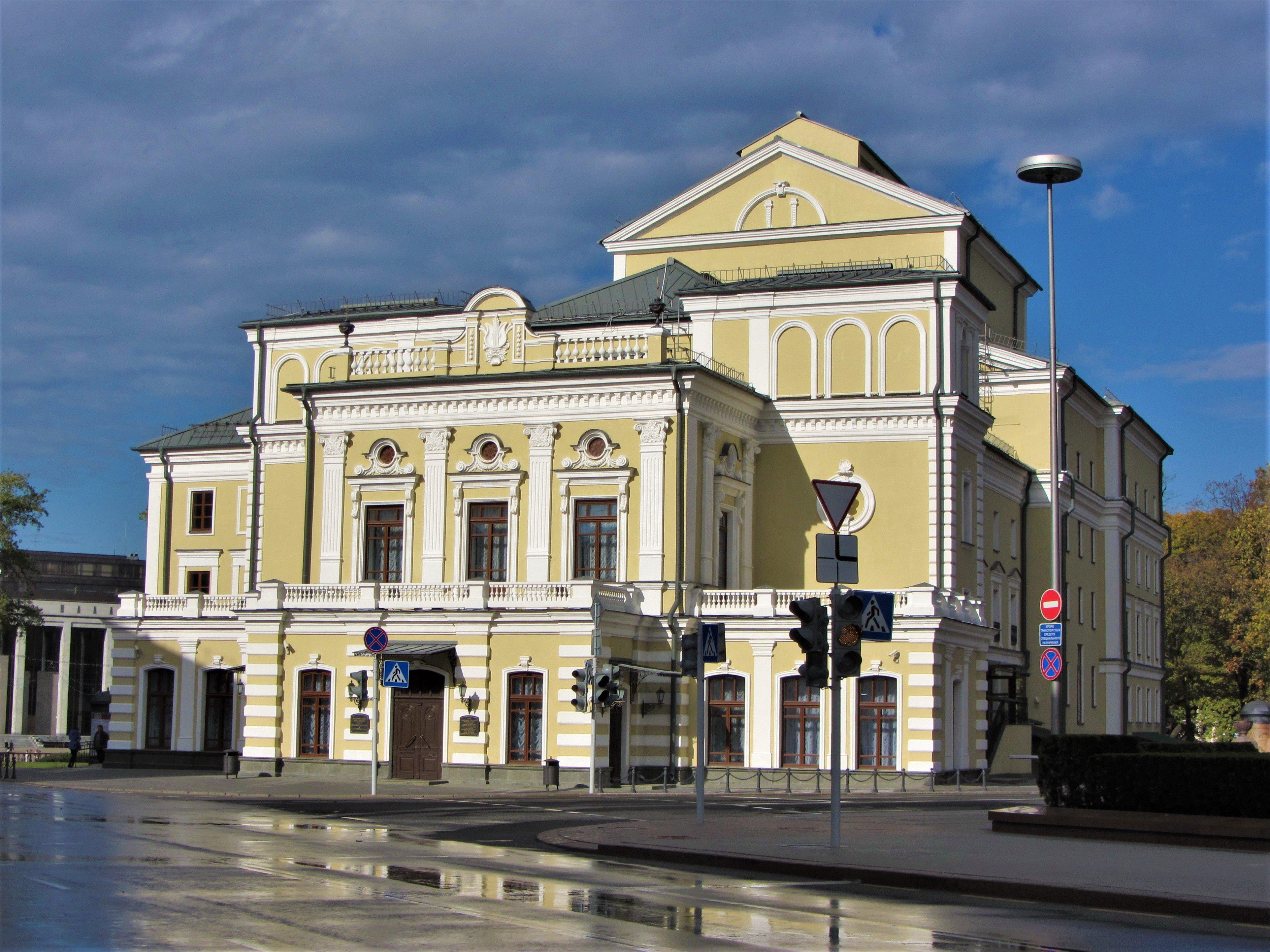 Купаловский театр не будет открывать сезон и уходит в простой с 21 августа.